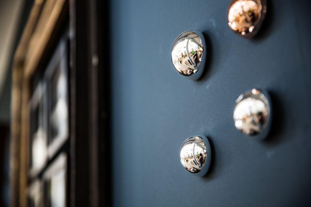 Silberne glaskugeln klein johanna schultz wohnen - Wandschmuck silber ...